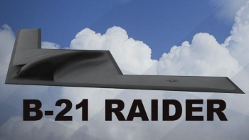 New B-21 has economic development boosters eyeing the skies