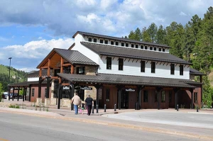 Deadwood Welcome Center opens